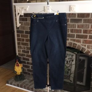 Chicos Perfect Stretch pull on Jegging SZ1.5 Ankle